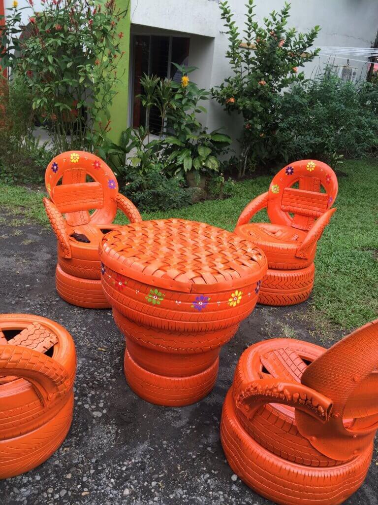 Salon jardin pneus